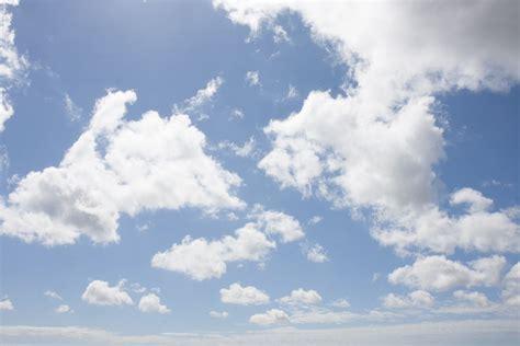 Walpaper Sticker Dinding Awan Putih Biru gambar alam horison putih sinar matahari melihat suasana musim panas siang hari