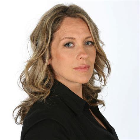 Sarah Beeny's top tips for selling your home   Ideal Home