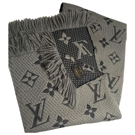 khaki wool louis vuitton scarf vestiaire collective