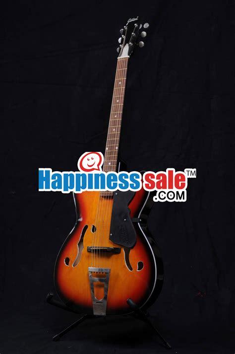 comfortable acoustic guitar guitar acoustic easy handle guitar photo 33392286 fanpop