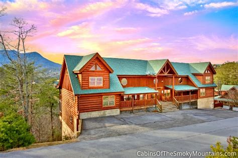8 bedroom cabins in pigeon forge pigeon forge cabin view master lodge 8 bedroom sleeps 24