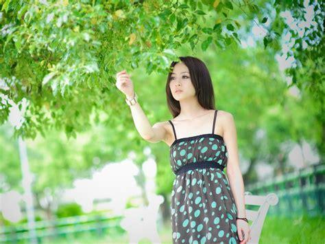 wallpaper nice girl hd nice girl pictures beautiful girl in long black dress