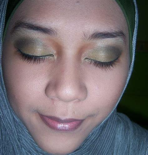 Inez Eyeshadow Powder beautiful hijabi fotd green again jotd grey scarf with hairband