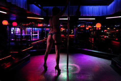 Home Design Show New Orleans by We Visited A Strip Club In Ontario That Holds A Sunday