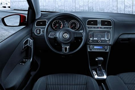 volkswagen polo automatic interior volkswagen polo mkv 2009 official interior img 16 it s