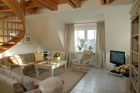 hängemöbel wohnzimmer perfekte wandfarbe grau