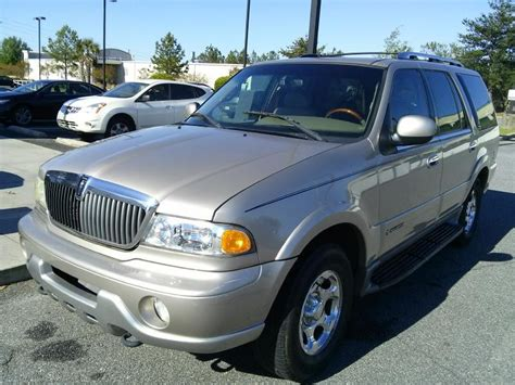 2002 lincoln navigator overview cars com lincoln navigator 2002 cars for sale