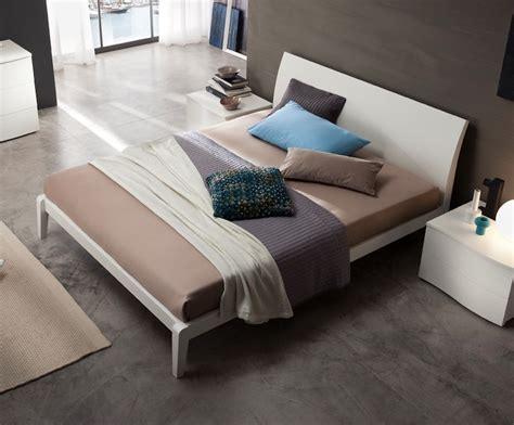 letto matrimoniale moderno in legno letto vela matrimoniale moderno varie finiture legno con