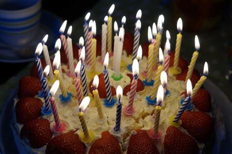 photo birthday cake burn candles  image  pixabay