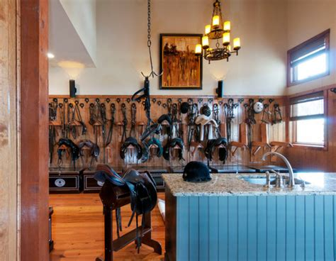 stable style  tack rooms  inspire horses heels