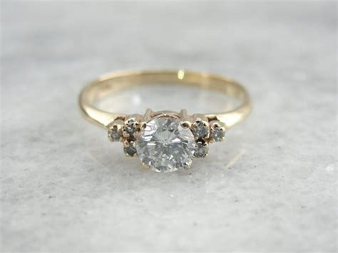 Vintage Verlobungsring by Classic Antique Engagement Rings Wedding