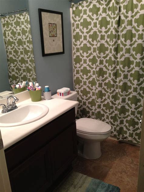 blue and green bathroom house decor
