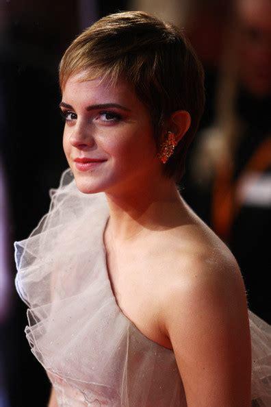 emma watson british academy film awards emma watson heeft last van pukkels nadiavanvliet nl