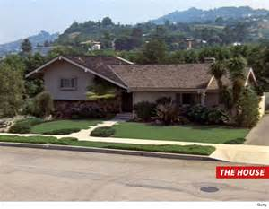 floor plan of the brady bunch house the brady bunch house broken into by crooks tmz