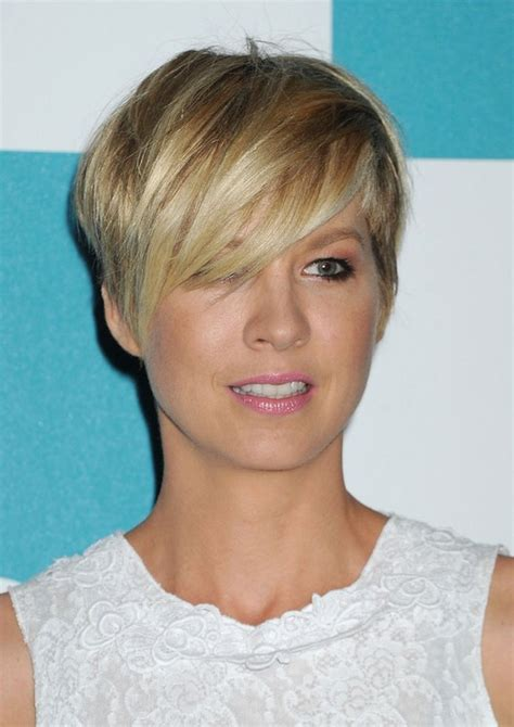 short hairstyles with razor cuts in the back jenna elfman cute short layered razor cut with long bangs