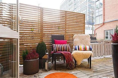 Apartment Balcony Privacy Screen by I Like This Idea How To Make A Balcony More Casa How To Make