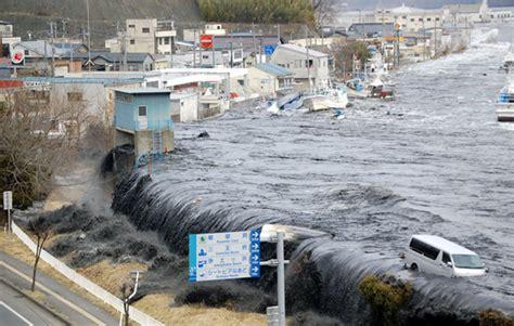 imagenes tsunami en japon 2011 jap 243 n conmemora con un minuto de silencio victimas del