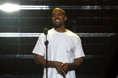 The Scoop On Kanye Wests Funky Sunglasses by Kanye West Disses At The Vmas