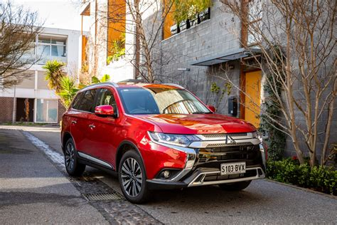 2019 Jeep Outlander by 2019 Mitsubishi Outlander Exceed Did Awd Suv Review Ozroamer