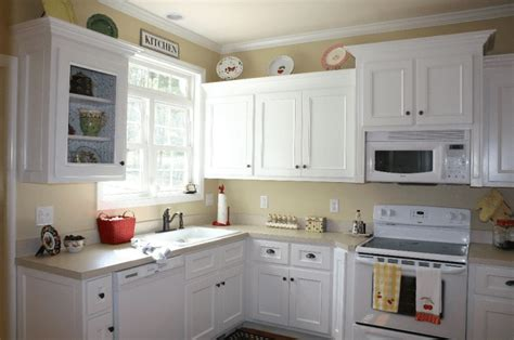 How To Paint Kitchen Cabinets White Without Sanding by 8 Steps How To Paint Kitchen Cabinets Without Sanding