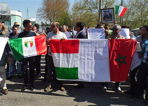 consolato marocco in italia insulti e troppa burocrazia marocchini protestano contro