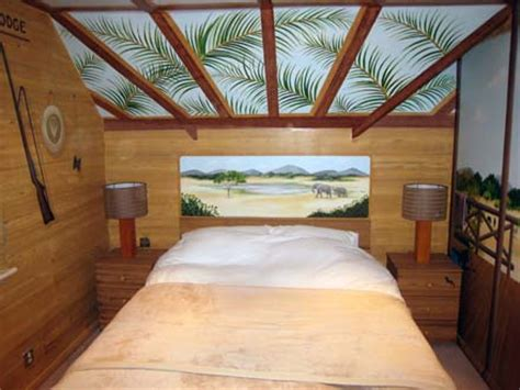safari themed mural painted   boys bedroom