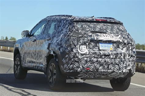 jeep crossover this new jeep suv will replace the compass patriot