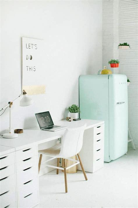 Acc Help Desk by 25 Best Ideas About Desk On Desks