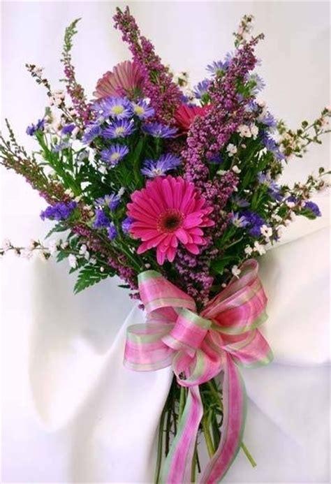 mazzi fiori immagini mazzi di fiori fiorista