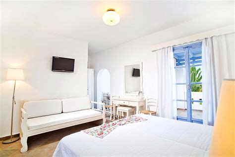 hotels family rooms for 4 family rooms for 4 koufonisia hotel resort hotel in koufonisia