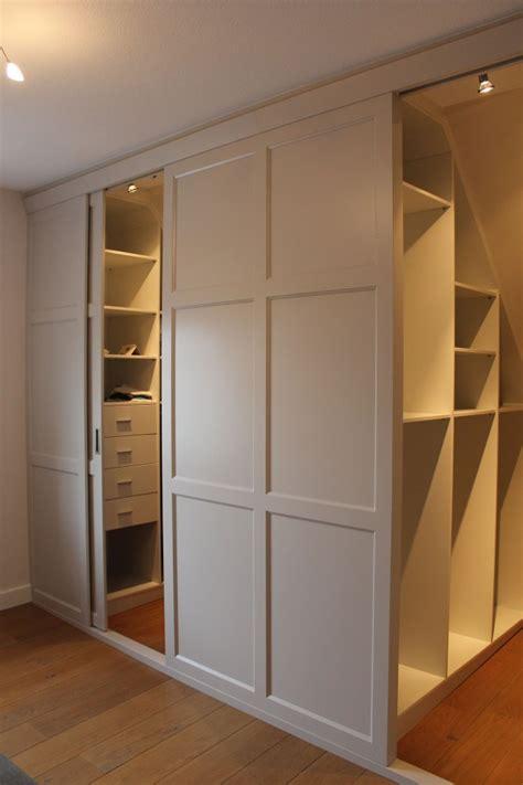 armadio basso per mansarda cabina armadio mansarda idee di design per la casa