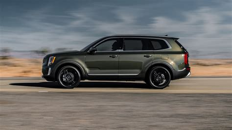 2020 Kia Telluride Ex by The 2020 Kia Telluride Is A Handsome Three Row Suv With