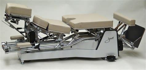 Zenith Chiropractic Tables by 225 Zenith Hylo Chiropractic Adjusting Table