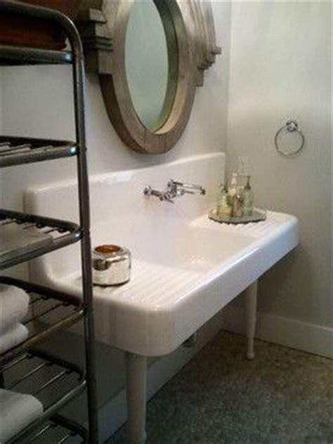 Used Farmhouse Sinks 17 Best Ideas About Vintage Farmhouse Sink On