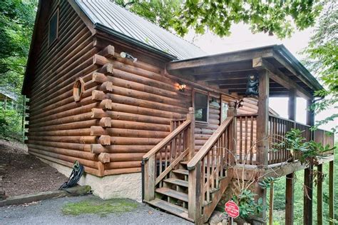 gatlinburg cabins 1 bedroom bear pause 1 bedroom cabin in gatlinburg tn