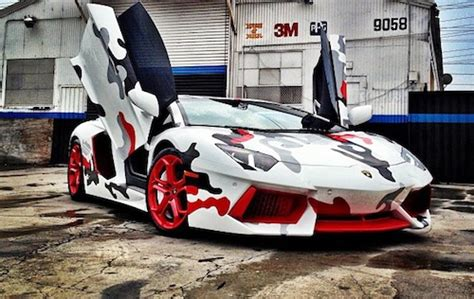 red camo lamborghini chris brown gives his lamborghini aventador a horrible