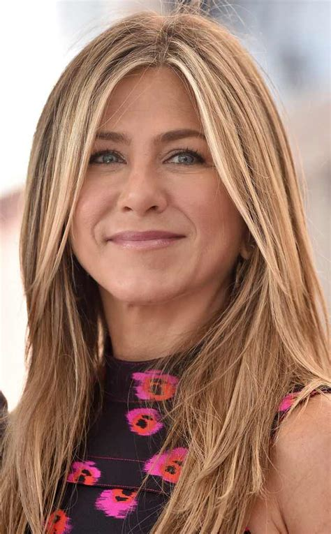 aniston s hair color aniston s hair evolution just taught us 6 new