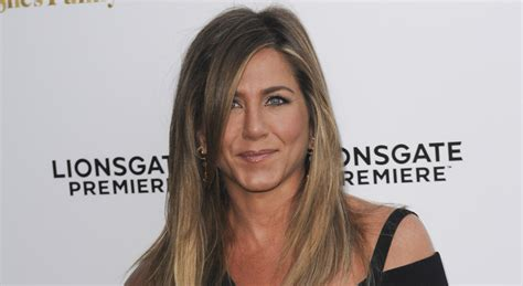 Jennifers Rep Confirms Nose by Aniston S Rep Confirms Viral Post Is