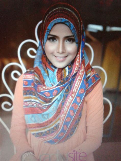 Anak Model Maryam it s reel moments shopping tudung dengan telekung maryam