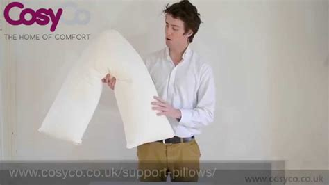 How To Sleep With Av Shaped Pillow by Cosyco V Shaped Support Maternity Pillow