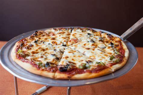 chicago best pizza the 5 best gluten free pizzas in chicago