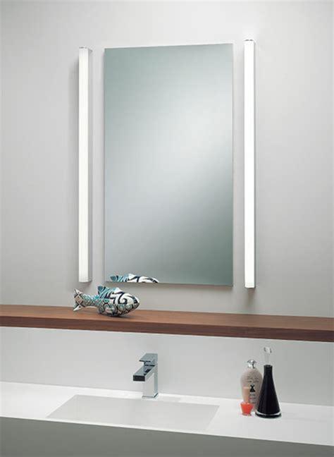 Délicieux Idee Eclairage Salle De Bain #3: Minimliste-design-éclairage-de-miroir-pour-la-salle-de-bain.jpg