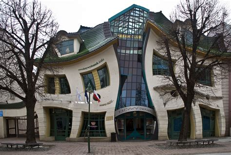 crooked house the crooked house of gi primalmeded