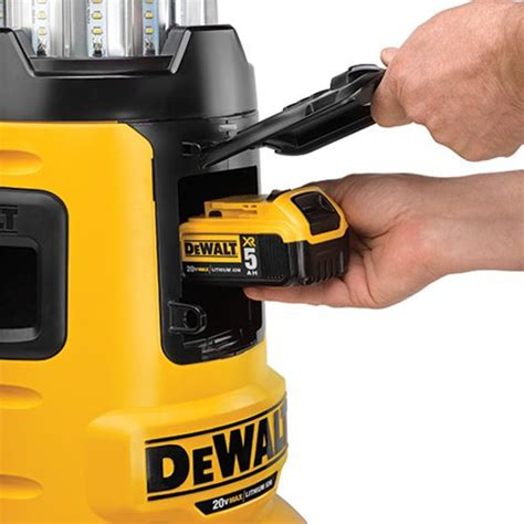 dewalt 20v led light dewalt flexvolt dcl070 bluetooth led area worklight