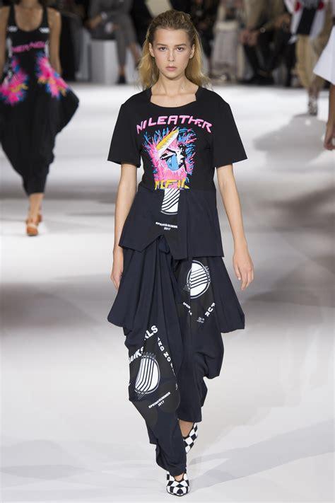 Stella Mccartney Fashion Week by Fashion Pr Stella Mccartney Ss 17 Runway