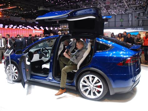 tesla model s and model x to debut in korea by 2017