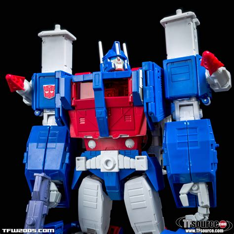 Trasformer Mp 22 Ultra Magnus masterpiece mp 22 ultra magnus reissue transformers news tfw2005