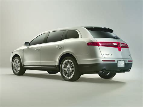 lincoln minivan 2014 lincoln mkt price photos reviews features