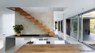 Modern Staircase Wall Design Modern Residence Eins House Architected By 195 Scar Pedr 195 179 S Keribrownhomes