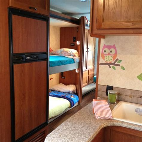 Rv Bunk Bed Mattress Spruce Up The Vacation Rv Bed Linens And Accents Make It Homey Stuff